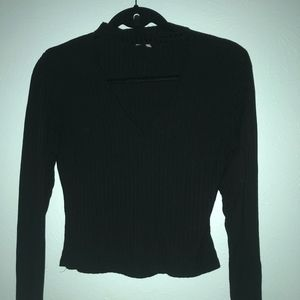Long Sleeve V-Neck Black Crop Top